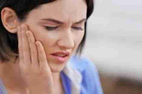 Paciente com dor na articulação temporomandibular